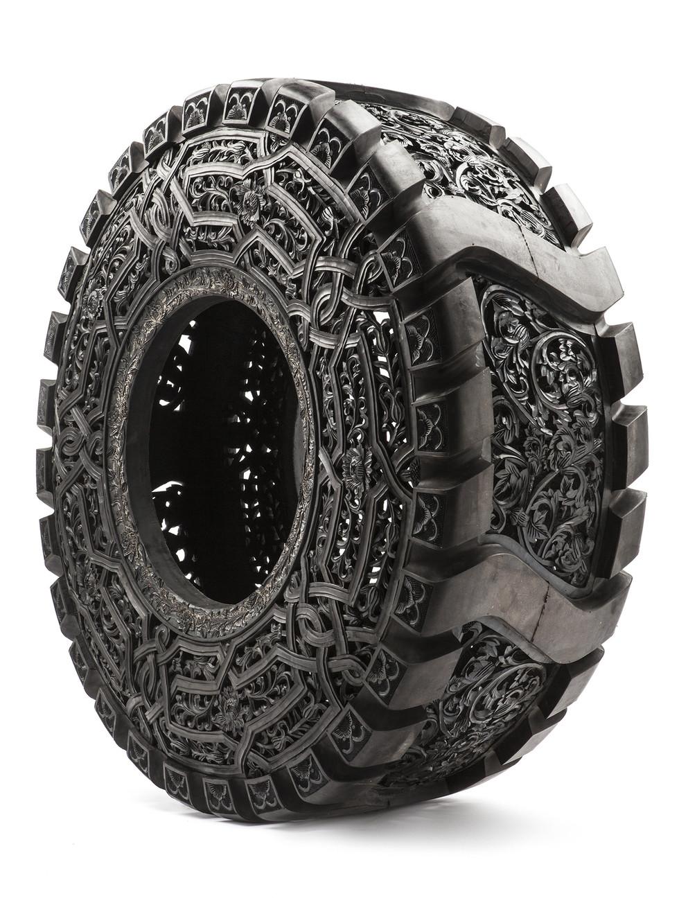 Wim Delvoye tyres (8)