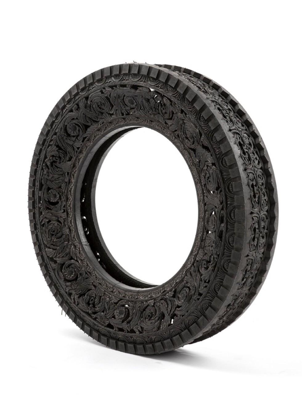 Wim Delvoye tyres (9)