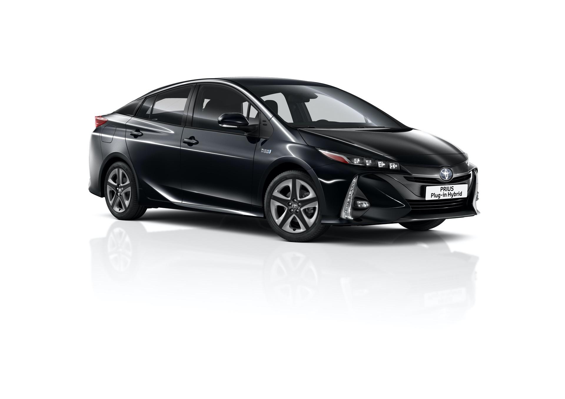 2019_Toyota_Prius_Plug-in_Hybrid_0000