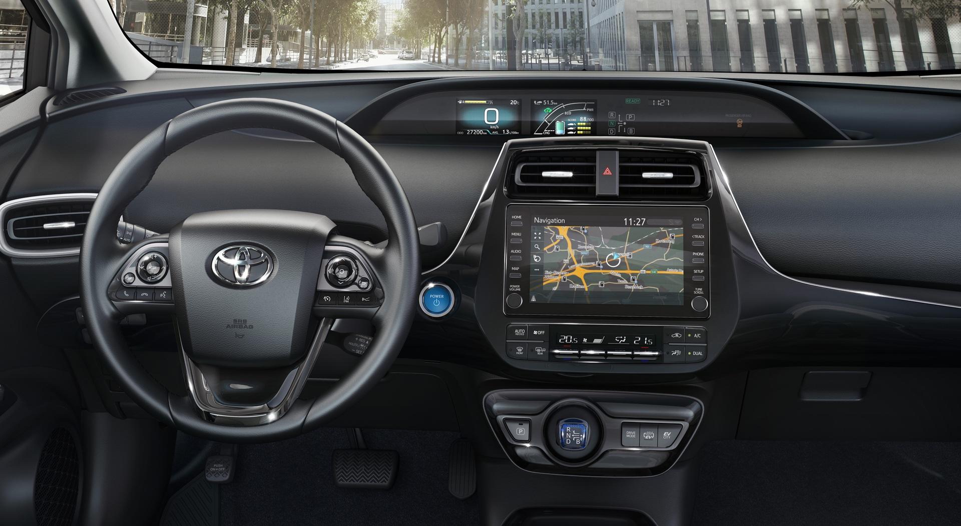 2019_Toyota_Prius_Plug-in_Hybrid_0001