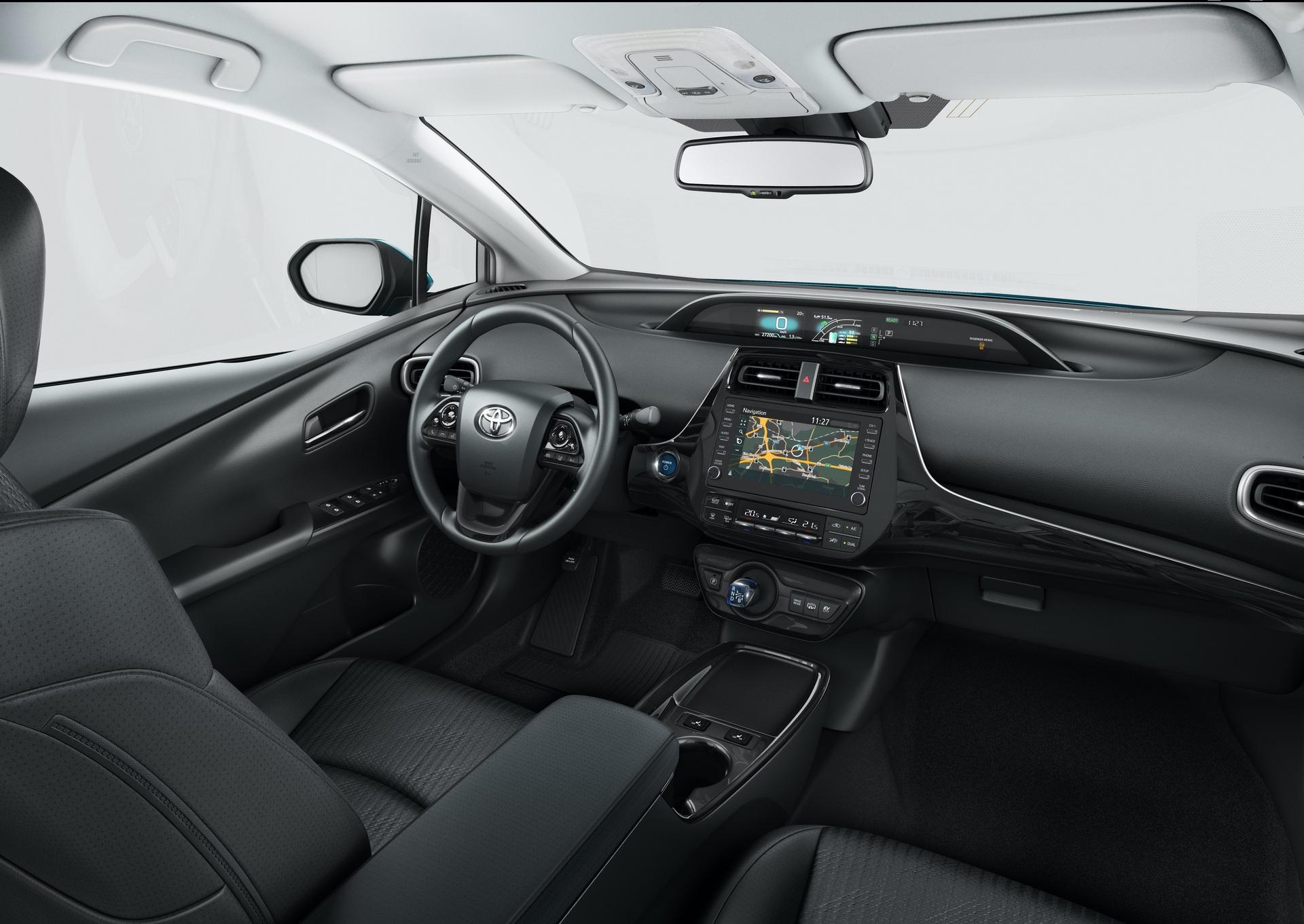 2019_Toyota_Prius_Plug-in_Hybrid_0004