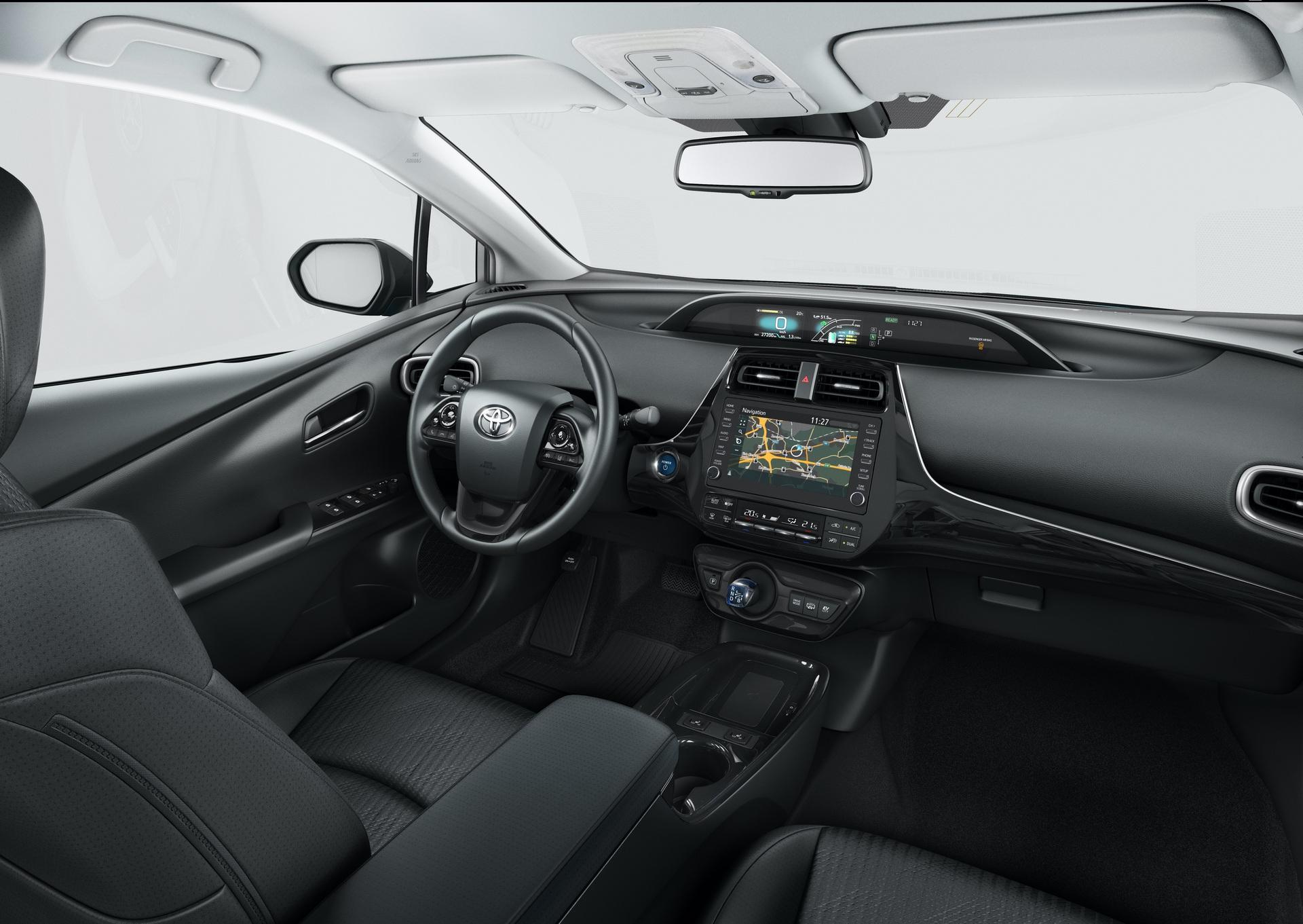 2019_Toyota_Prius_Plug-in_Hybrid_0006