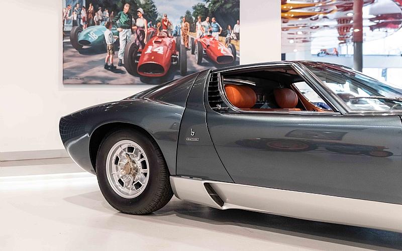1972_Lamborghini_Miura_SV_0002