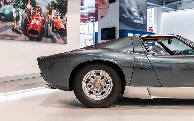 1972_Lamborghini_Miura_SV_0003