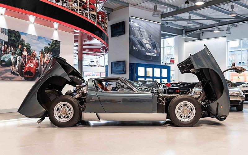 1972_Lamborghini_Miura_SV_0008
