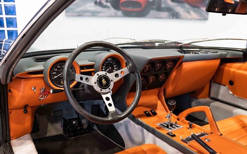 1972_Lamborghini_Miura_SV_0010