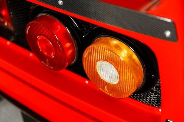 1992_Ferrari_F40_LM_Spec_0028