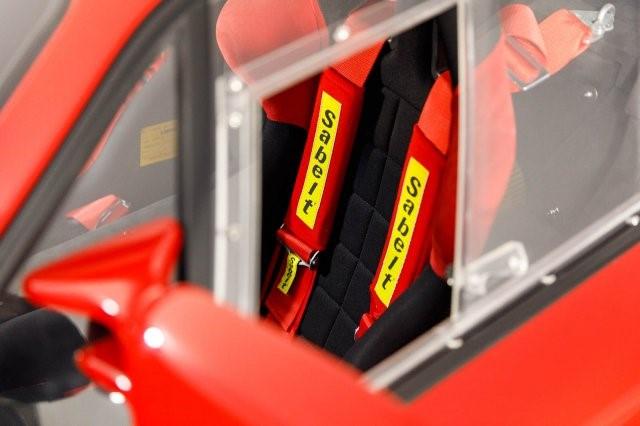 1992_Ferrari_F40_LM_Spec_0061