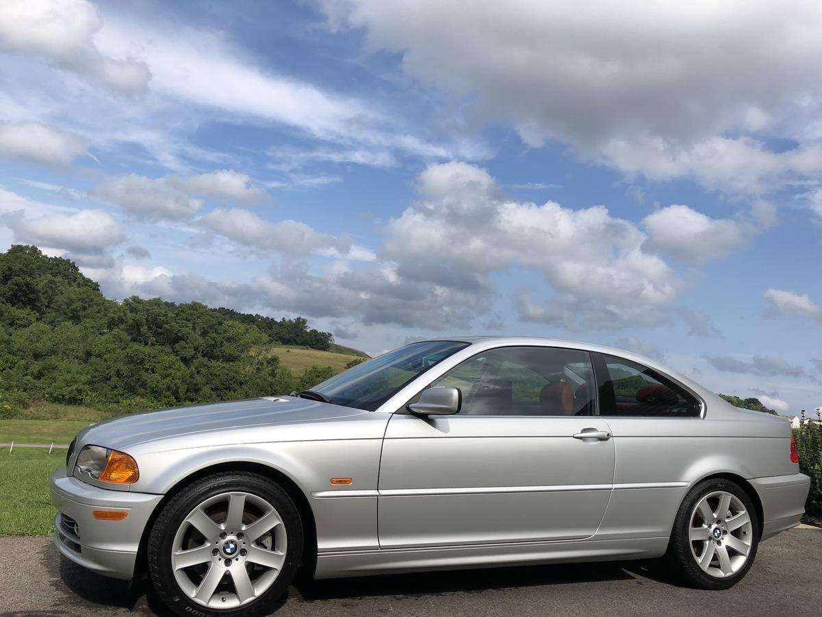 2001_BMW_330Ci_Sport_0002