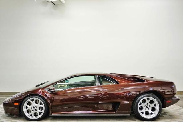 2001_Lamborghini_Diablo_6.0_SE_0001