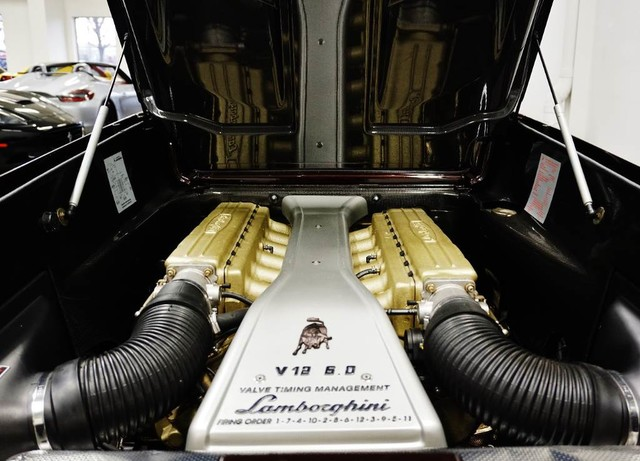 2001_Lamborghini_Diablo_6.0_SE_0008