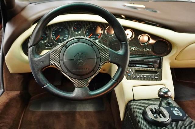 2001_Lamborghini_Diablo_6.0_SE_0040