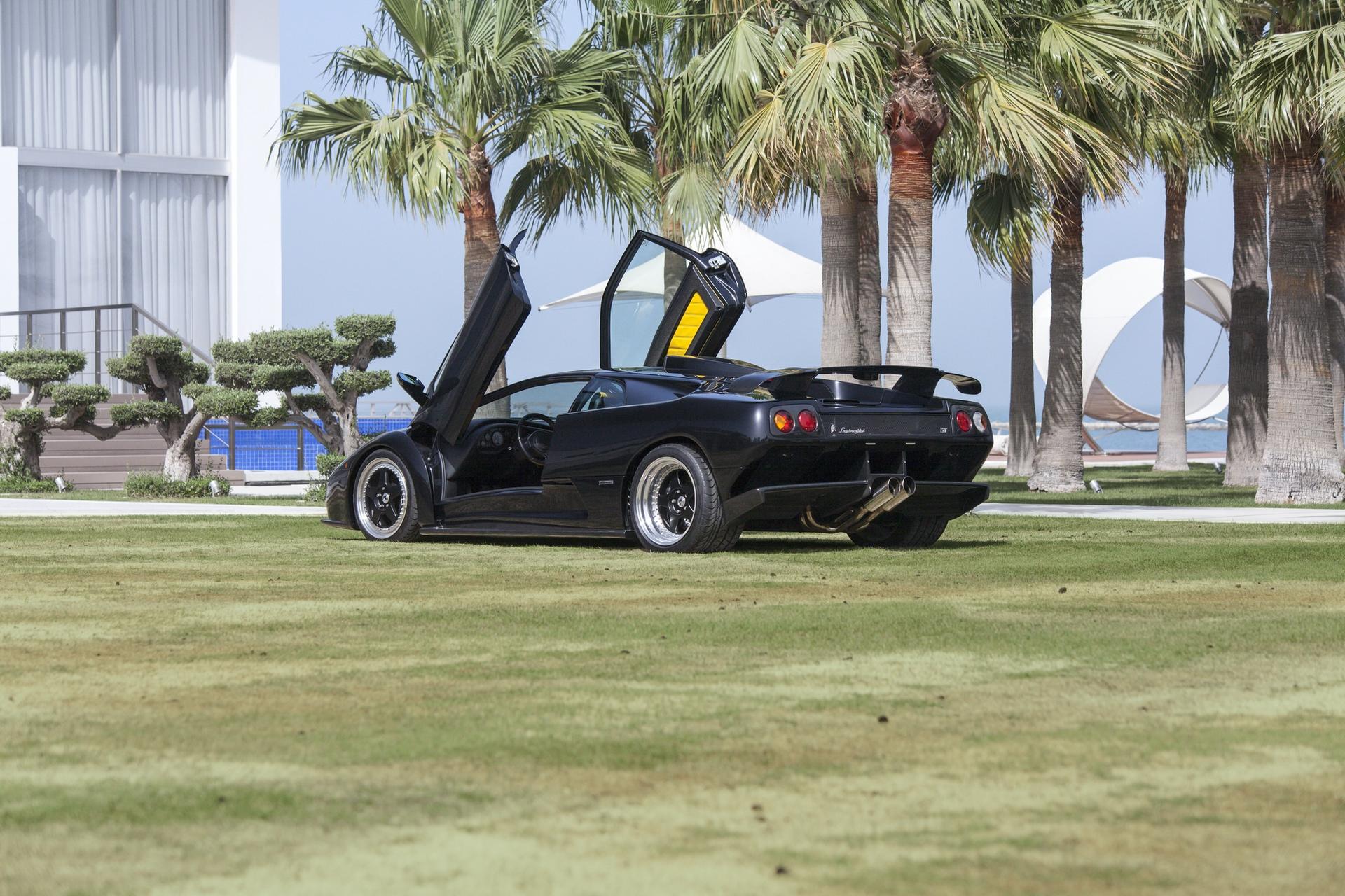 2001_Lamborghini_Diablo_GT_0001