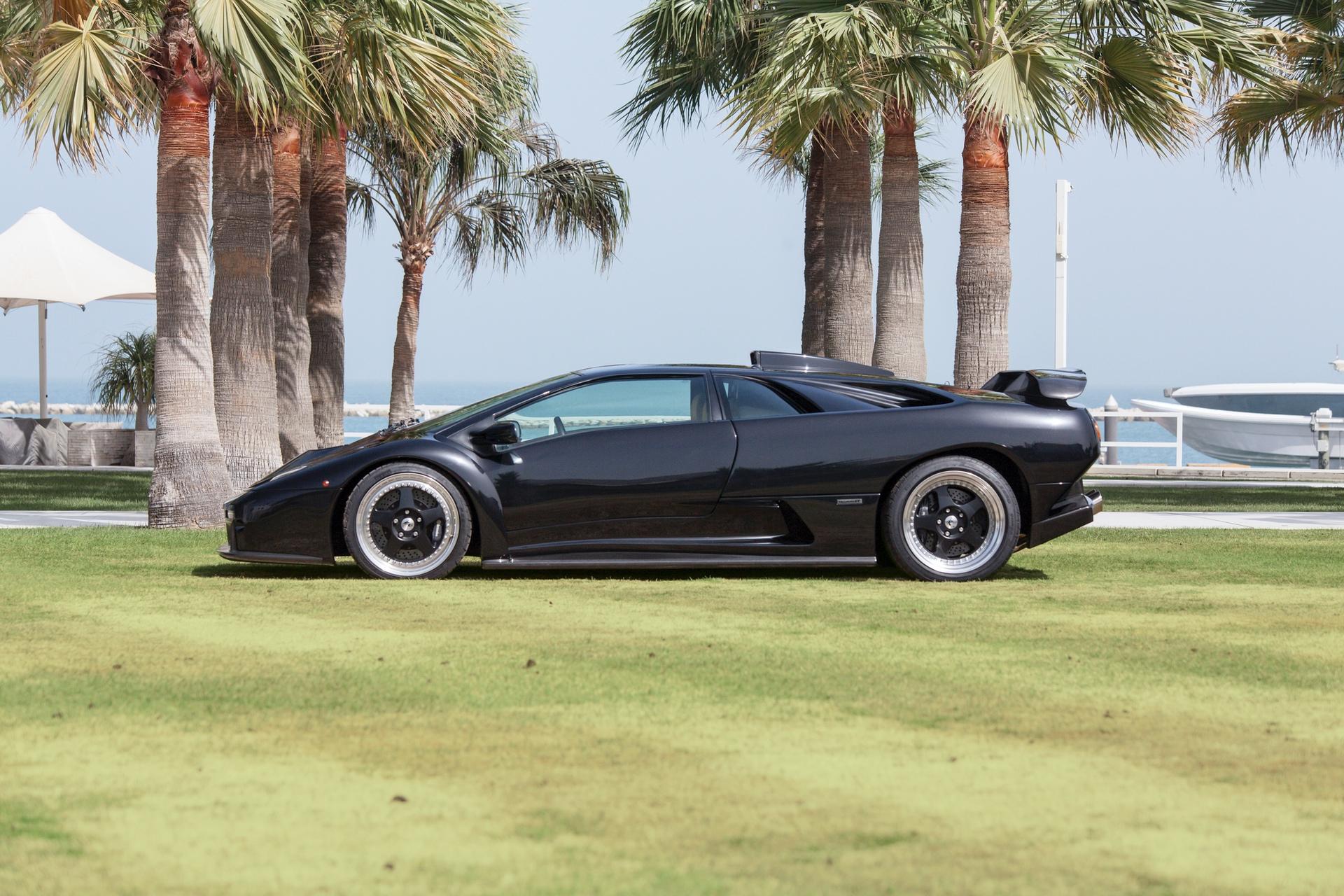 2001_Lamborghini_Diablo_GT_0004
