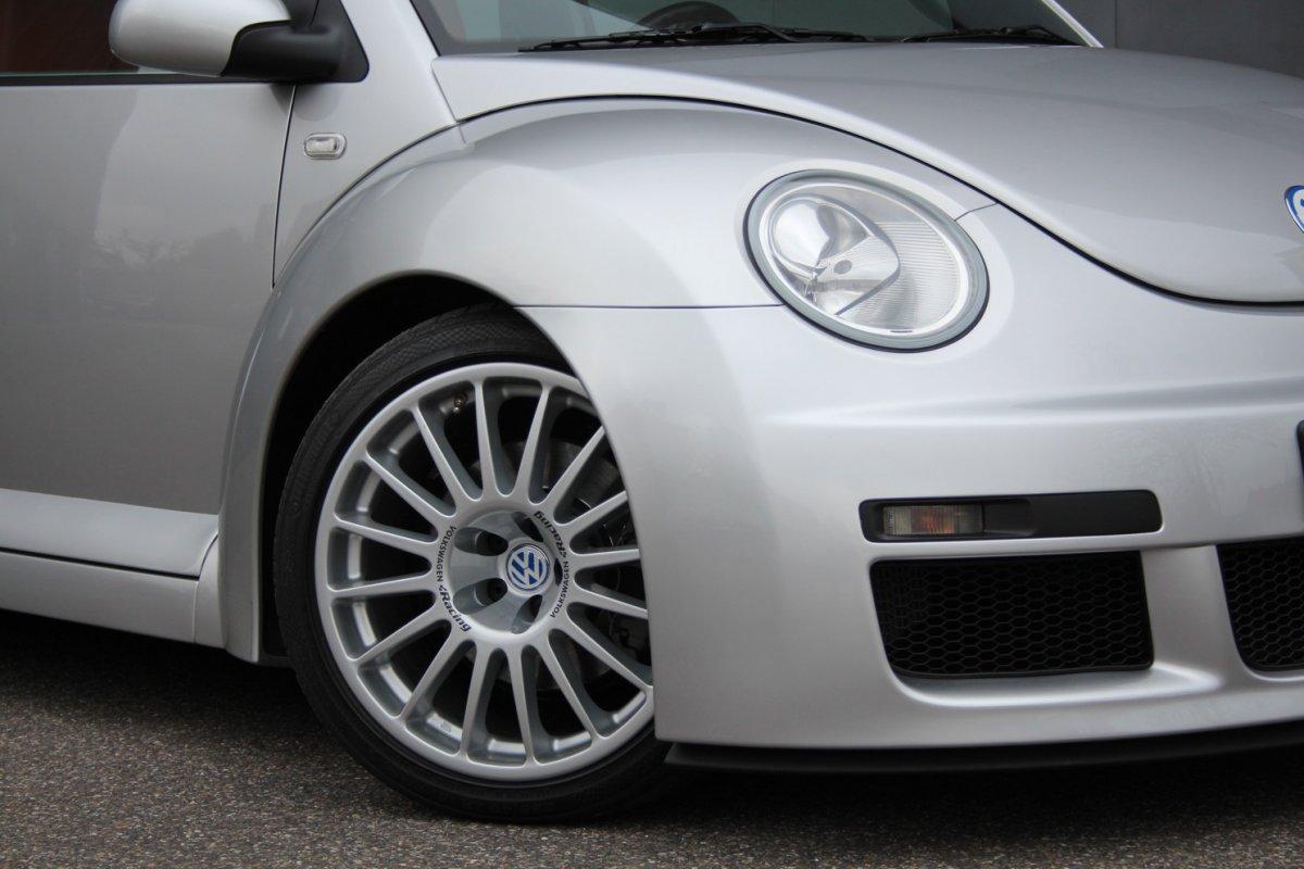 2003_Volkswagen_Beetle_RSi_0001