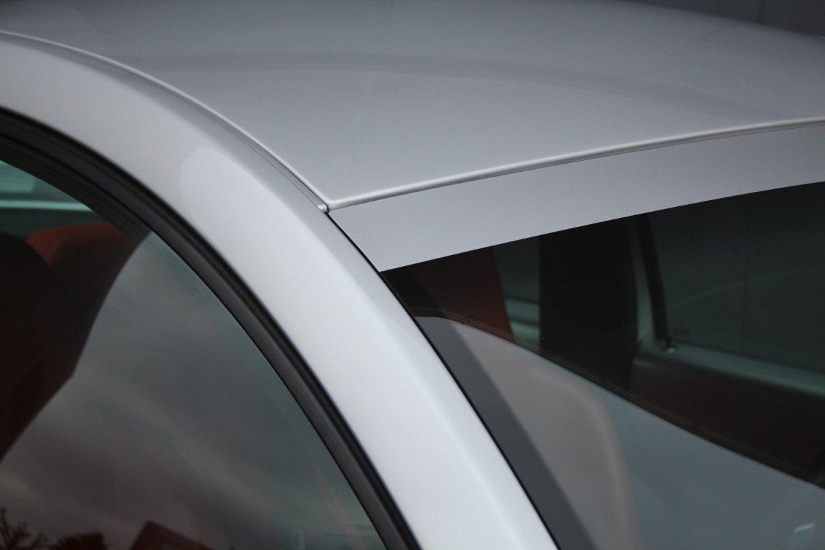 2003_Volkswagen_Beetle_RSi_0002