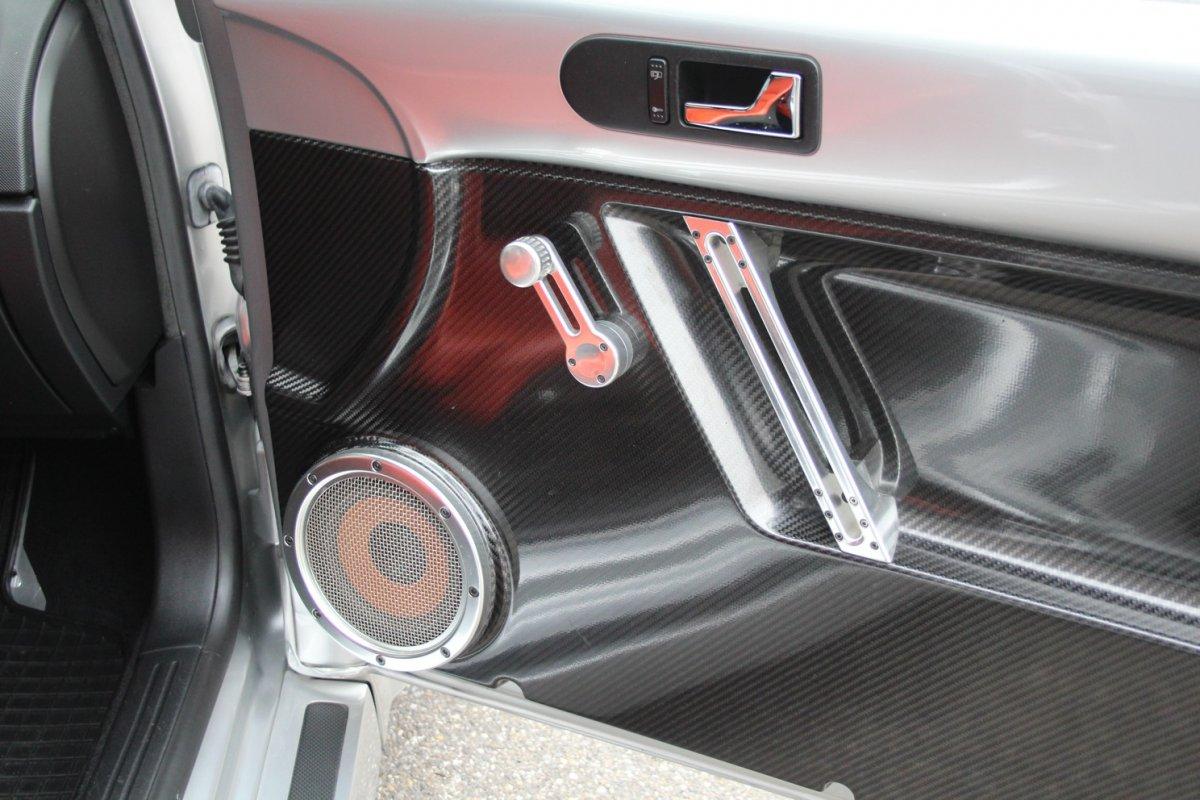 2003_Volkswagen_Beetle_RSi_0004