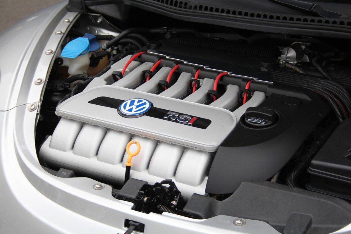 2003_Volkswagen_Beetle_RSi_0007