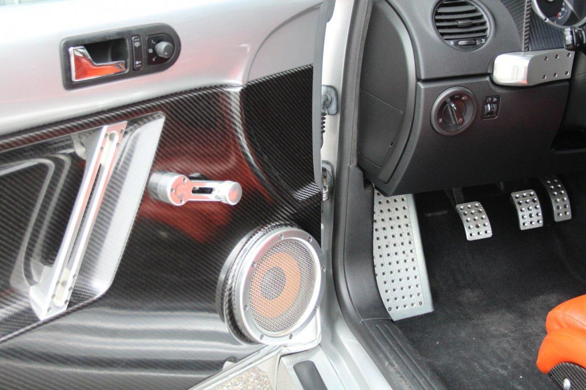 2003_Volkswagen_Beetle_RSi_0013
