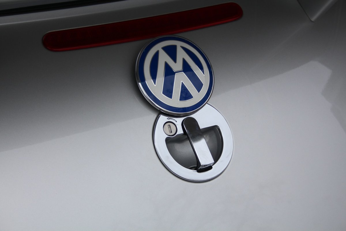 2003_Volkswagen_Beetle_RSi_0015