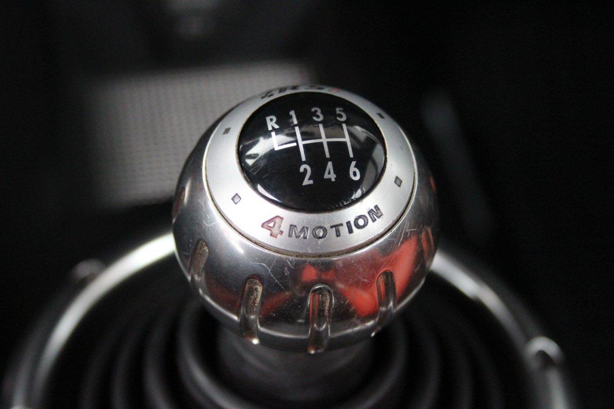 2003_Volkswagen_Beetle_RSi_0020