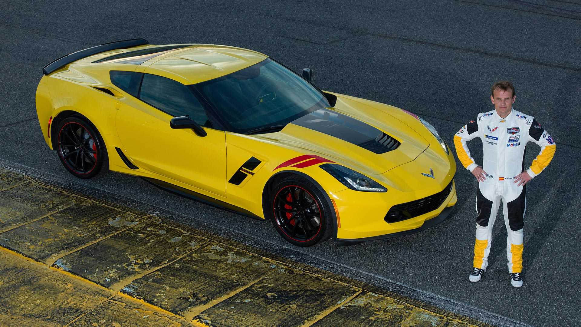 2019_Chevrolet_Corvette_Drivers_Series_Editions_0003