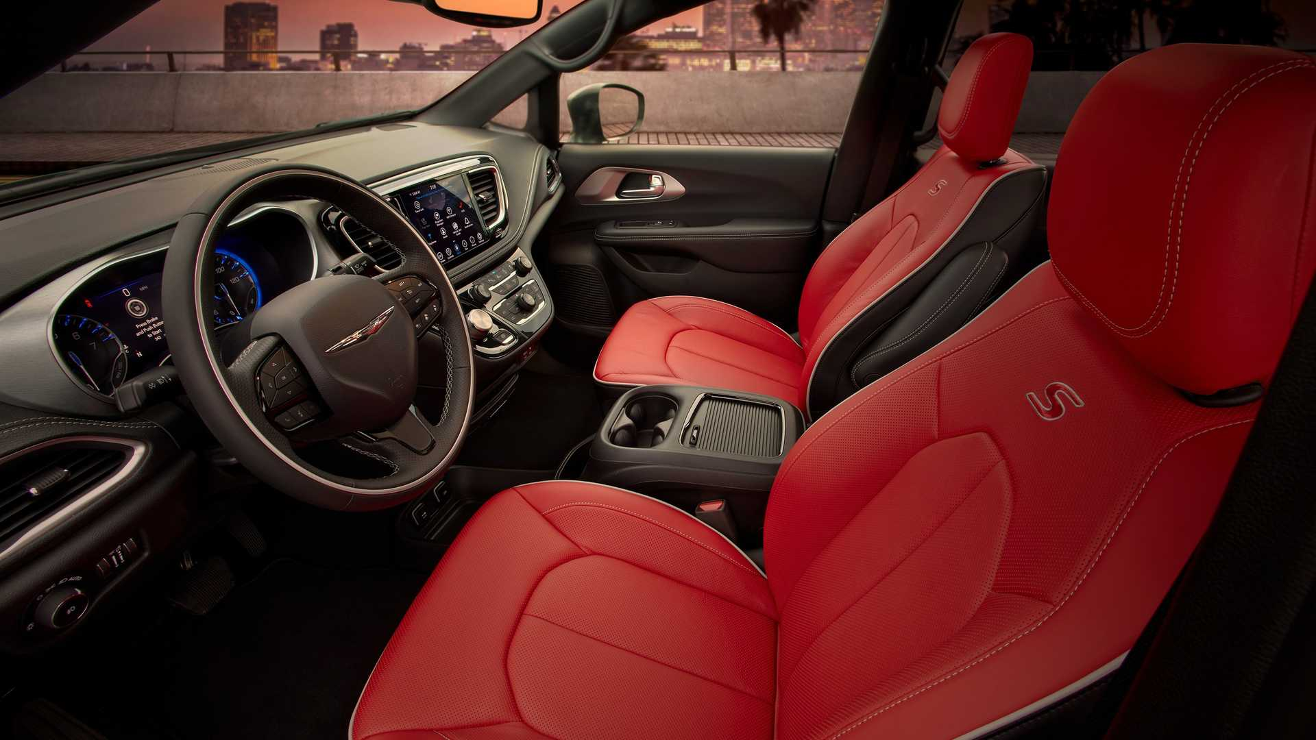 2020_Chrysler_Pacifica_Red_S_Edition_0024