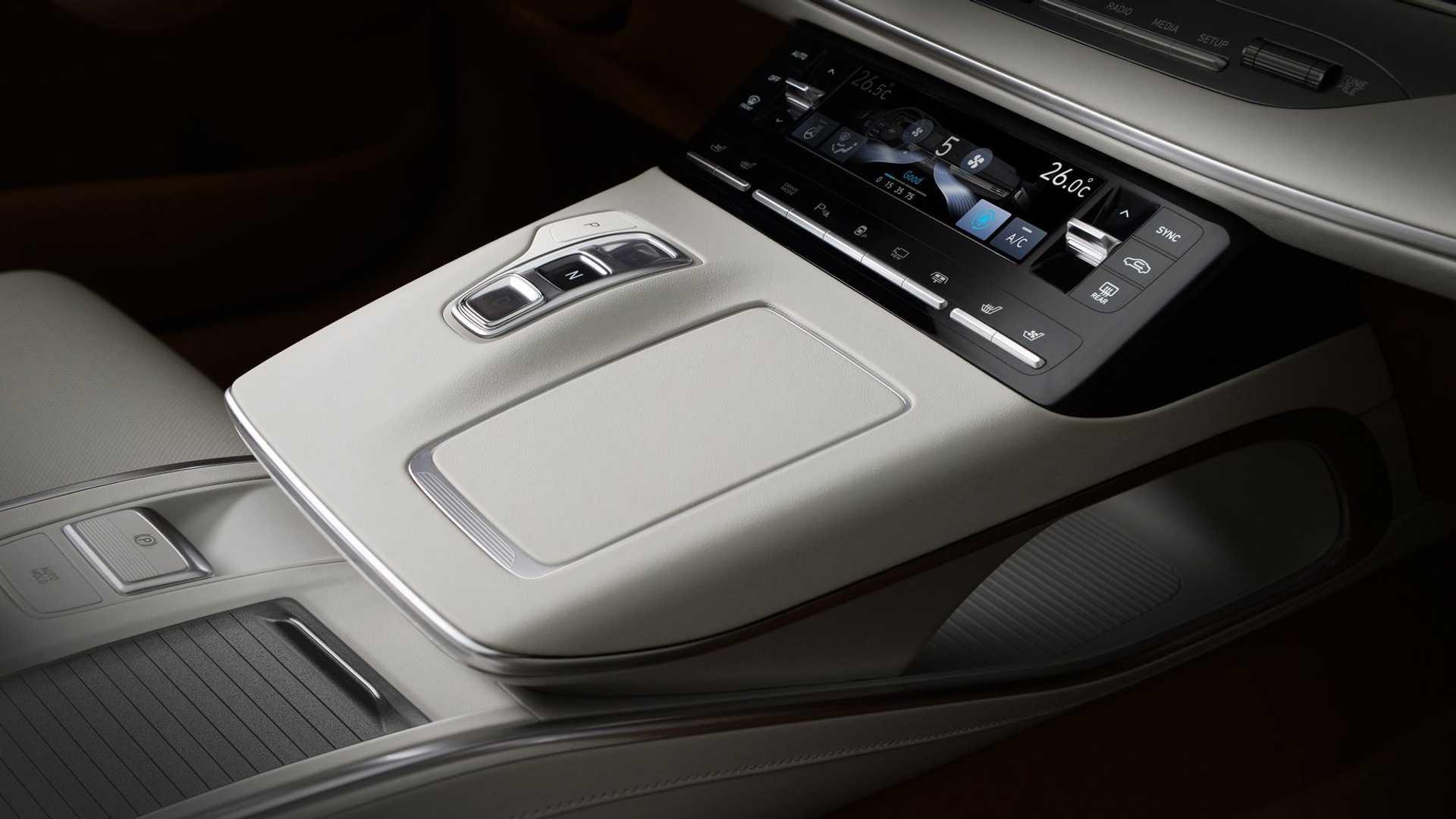 2020_Hyundai_Grandeur_Facelift_0010