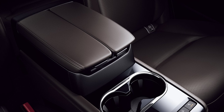 2020_Mazda_CX-8_0011