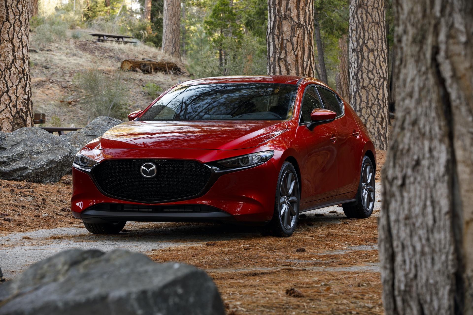 2019-Mazda3-Hatchback_04