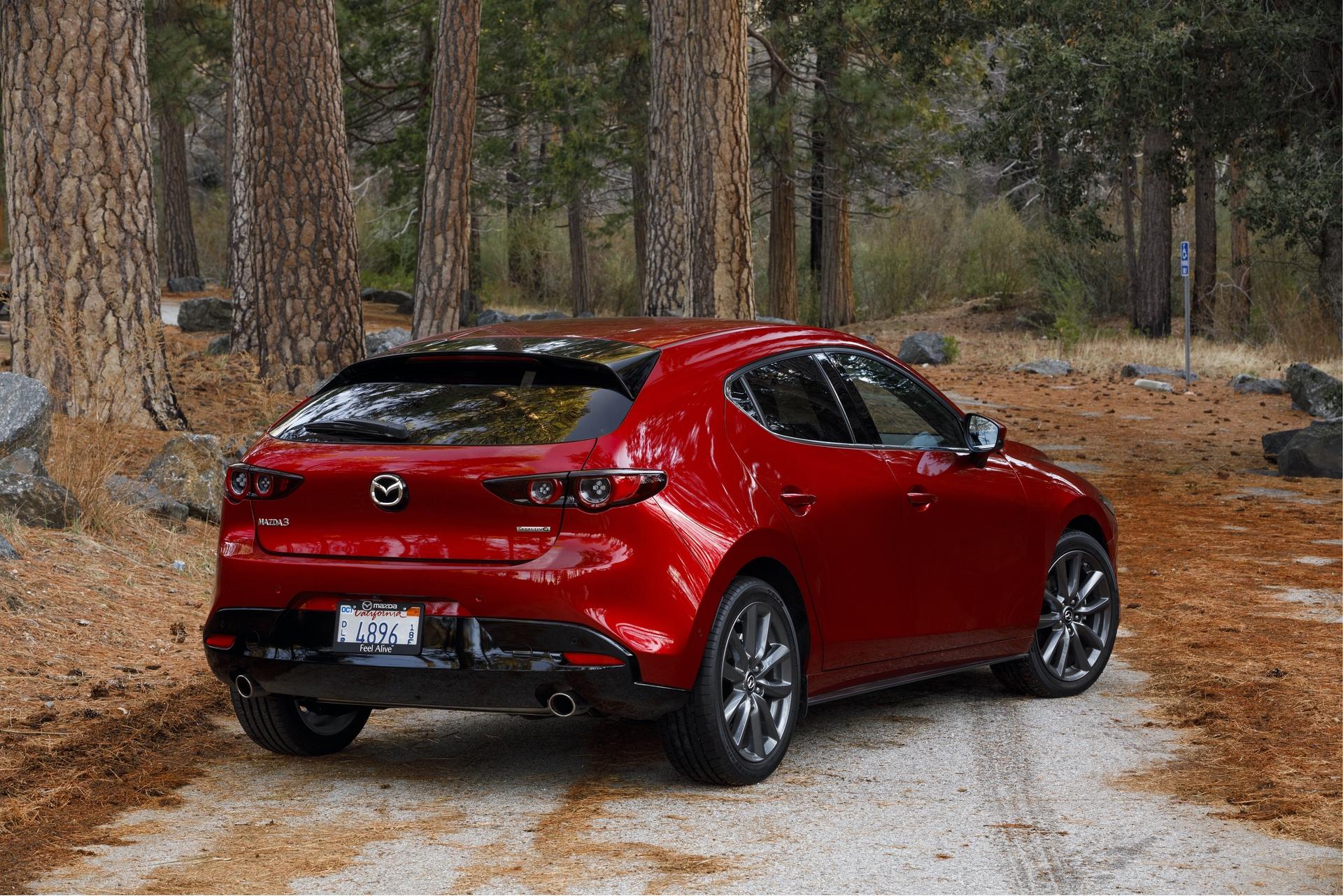 2019-Mazda3-Hatchback_06