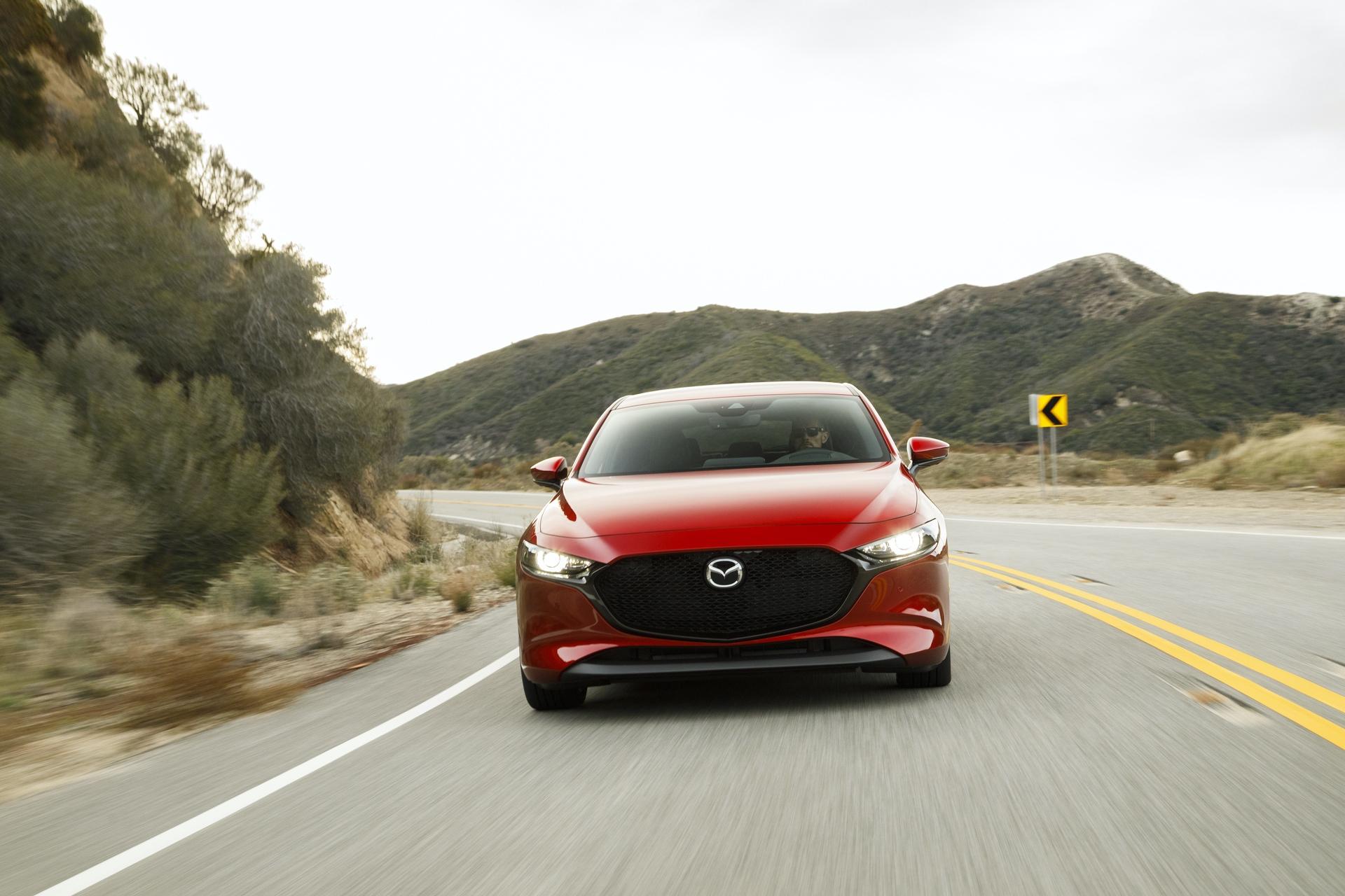 2019-Mazda3-Hatchback_10
