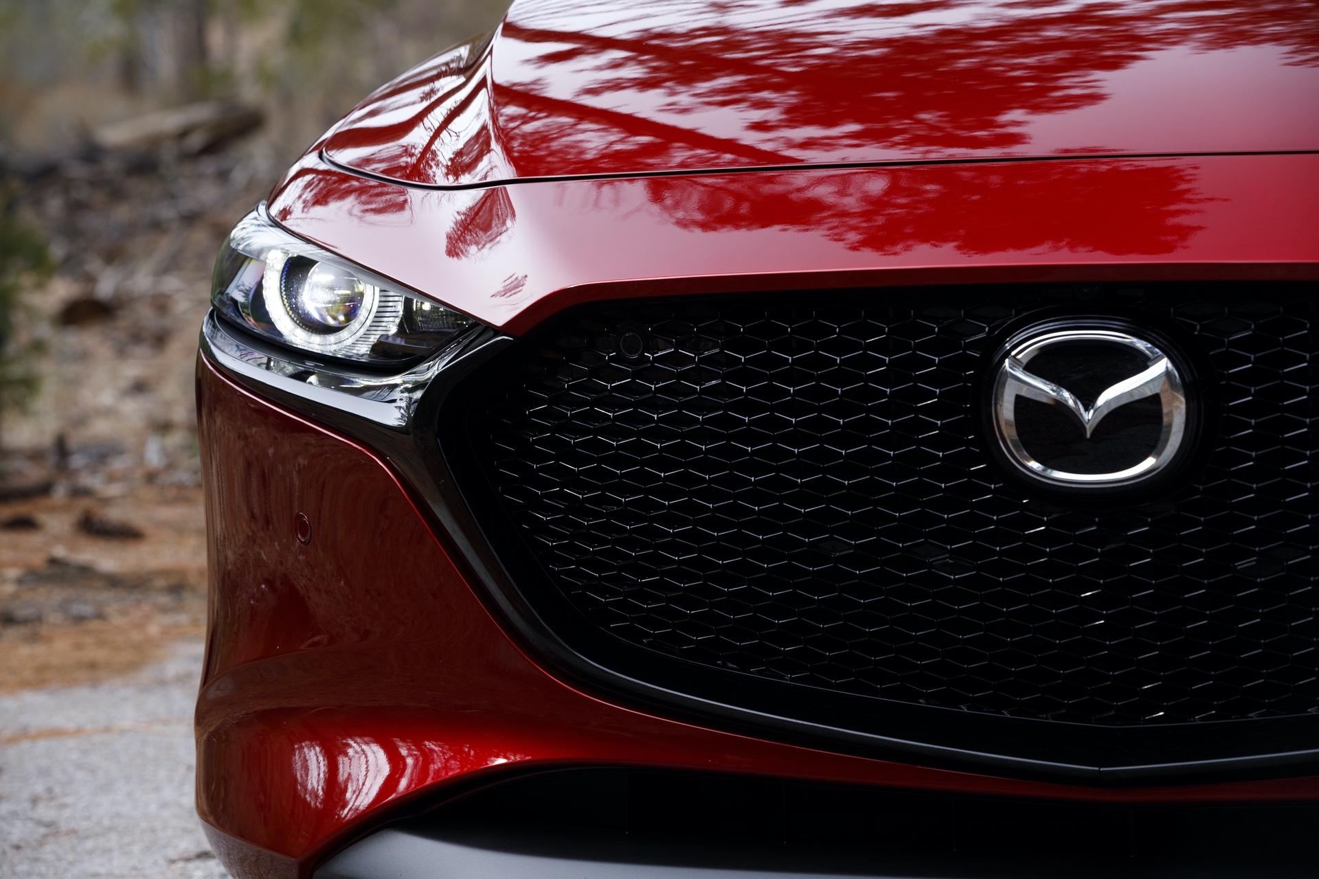 2019-Mazda3-Hatchback_16