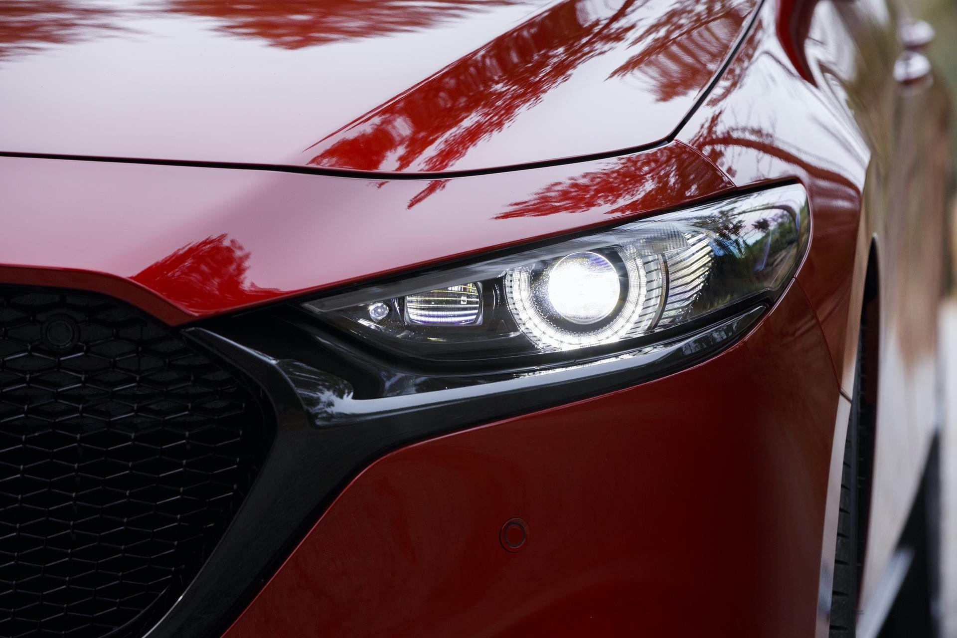 2019-Mazda3-Hatchback_17