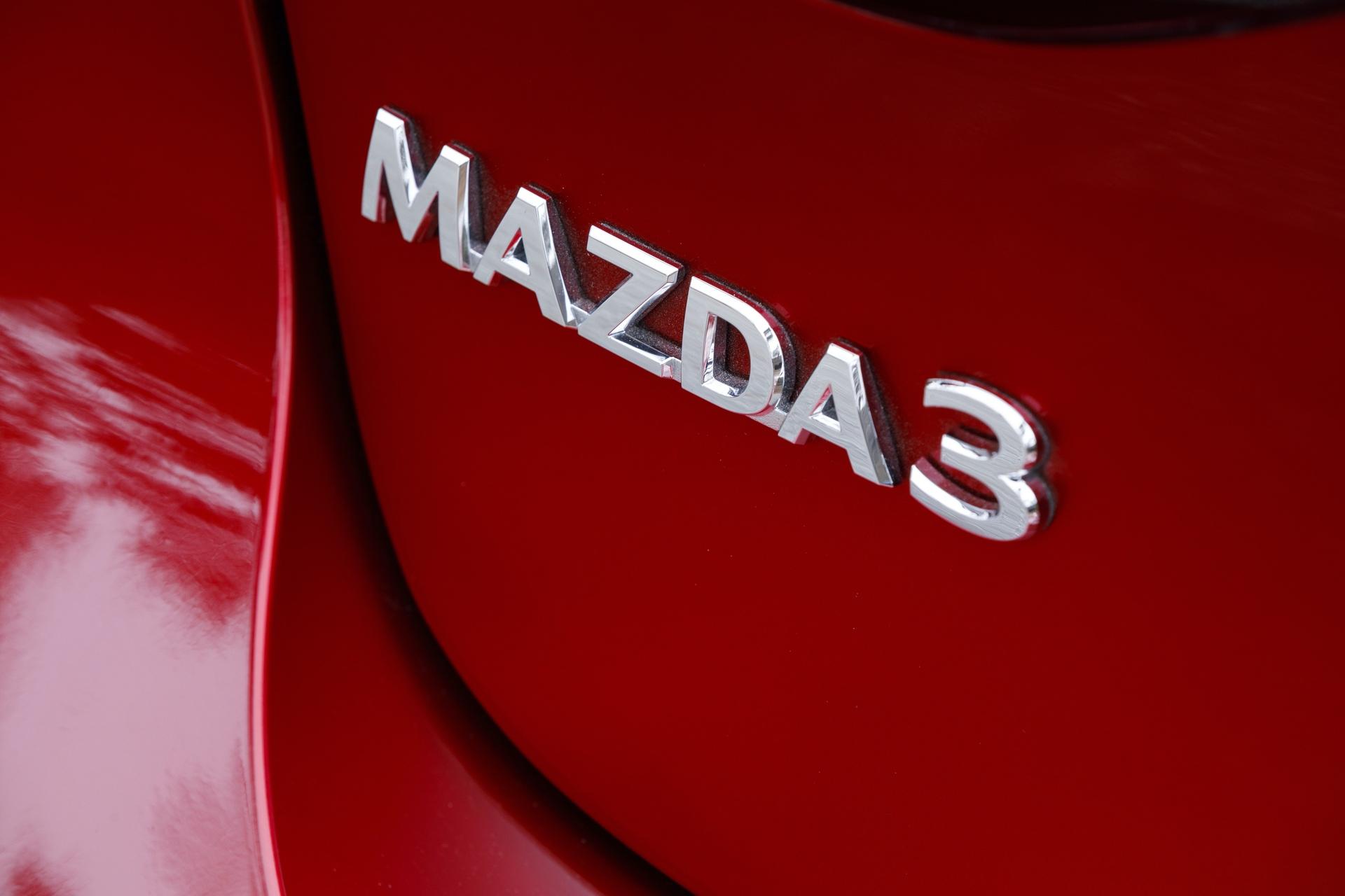 2019-Mazda3-Hatchback_21