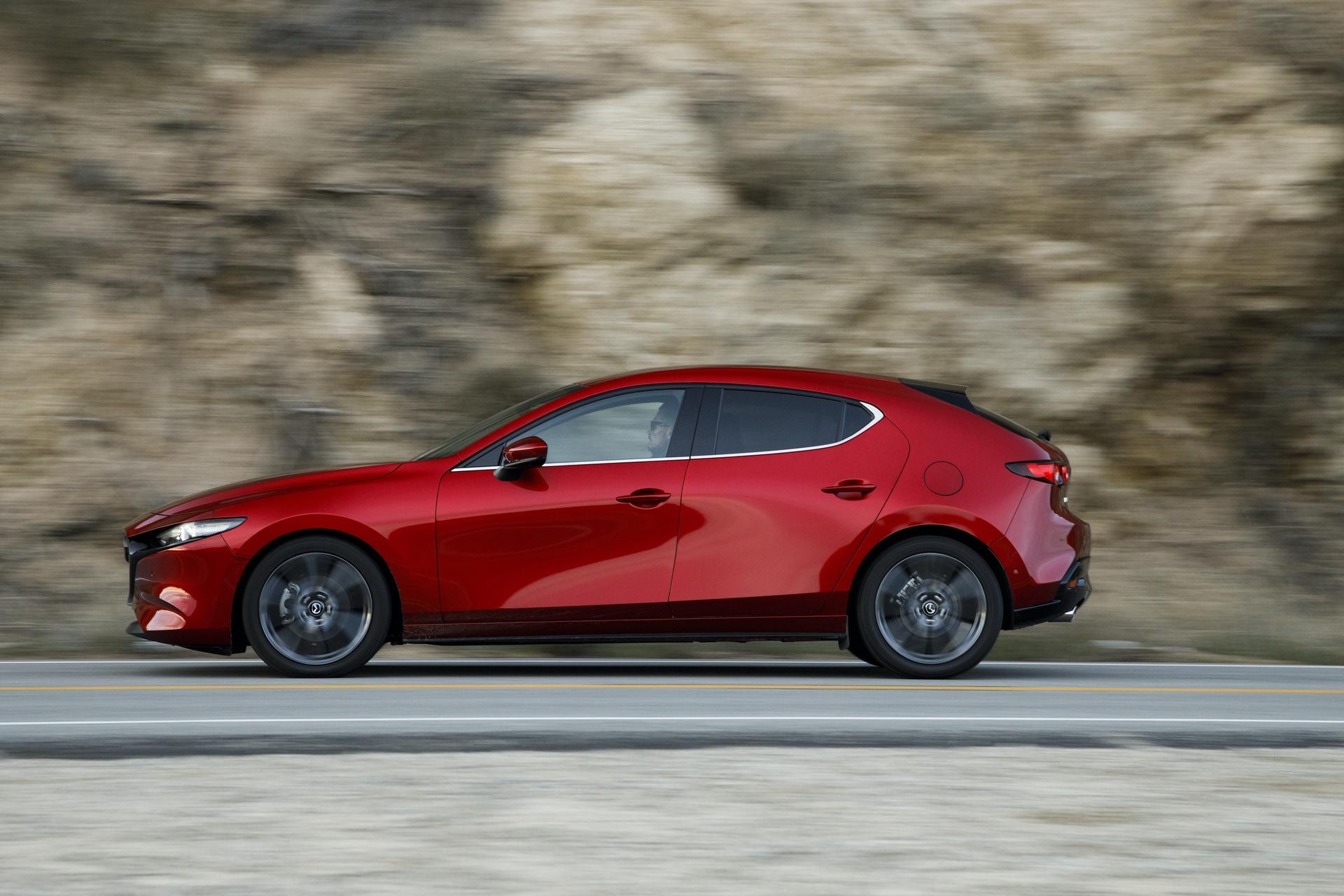 2019-Mazda3-Hatchback_30