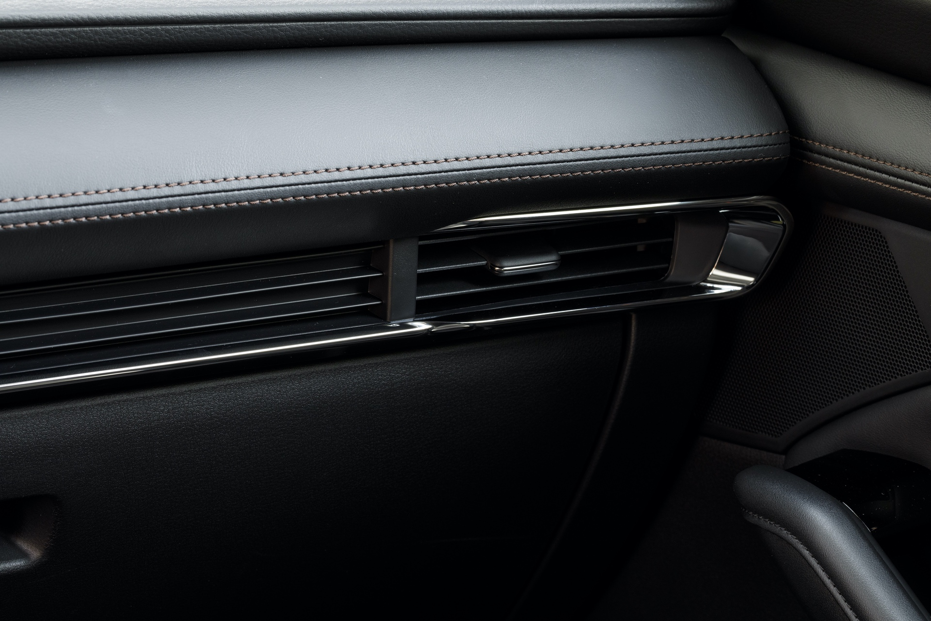 2019-Mazda3-Hatchback_33