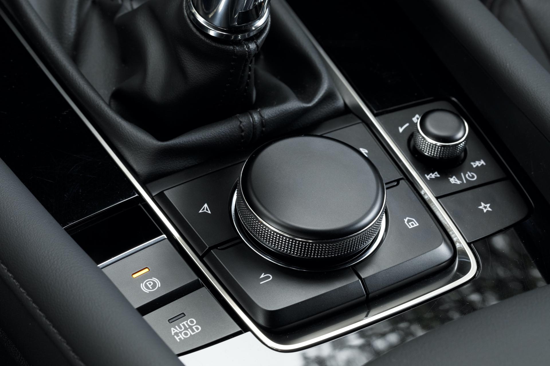 2019-Mazda3-Hatchback_34