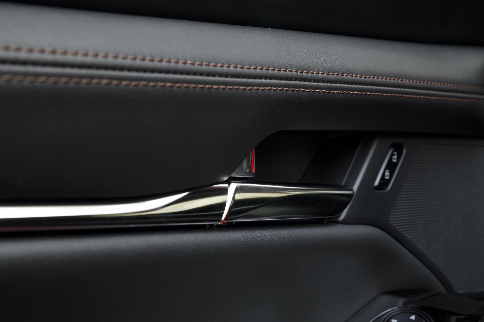 2019-Mazda3-Hatchback_35