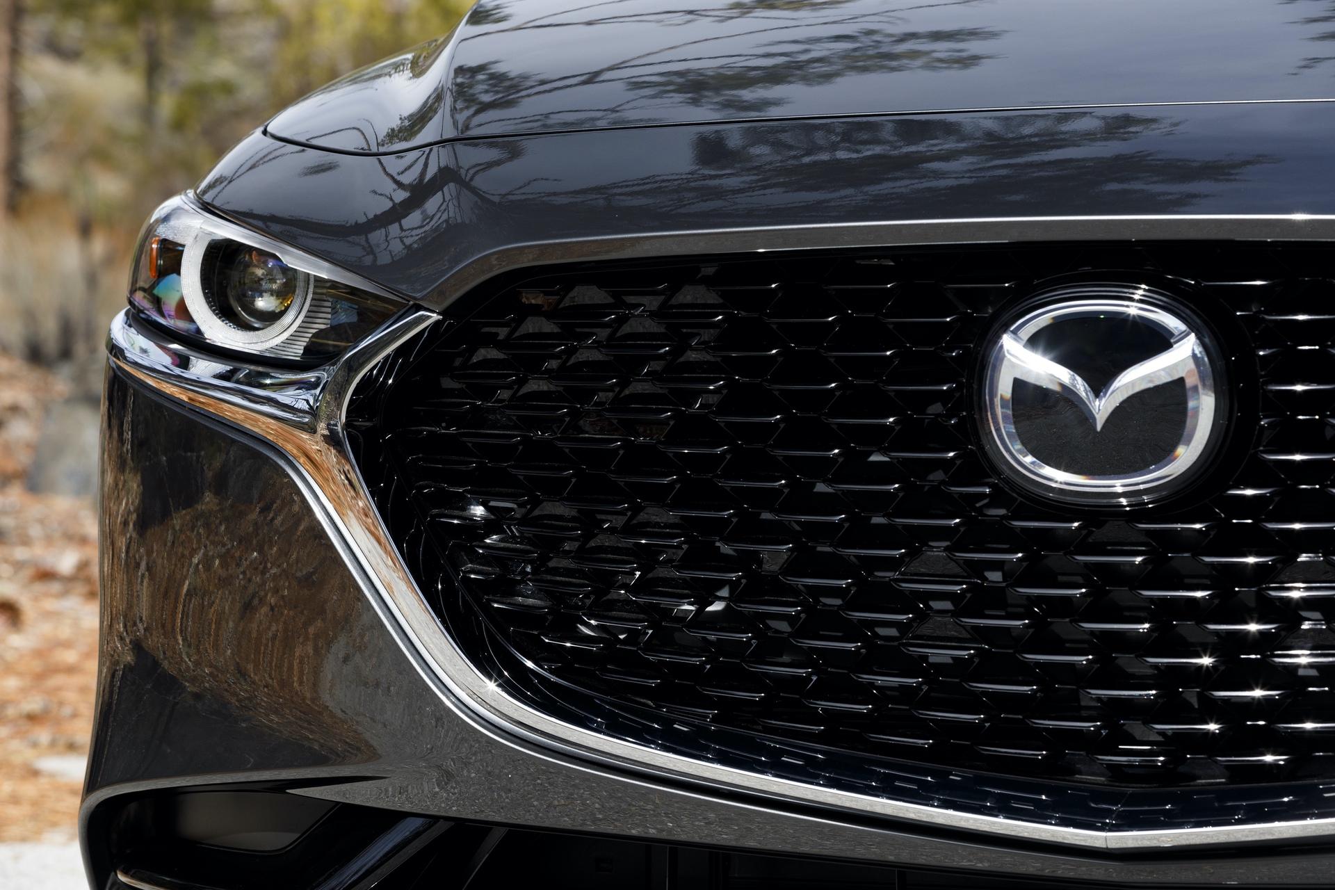 2019-Mazda3-Sedan_17