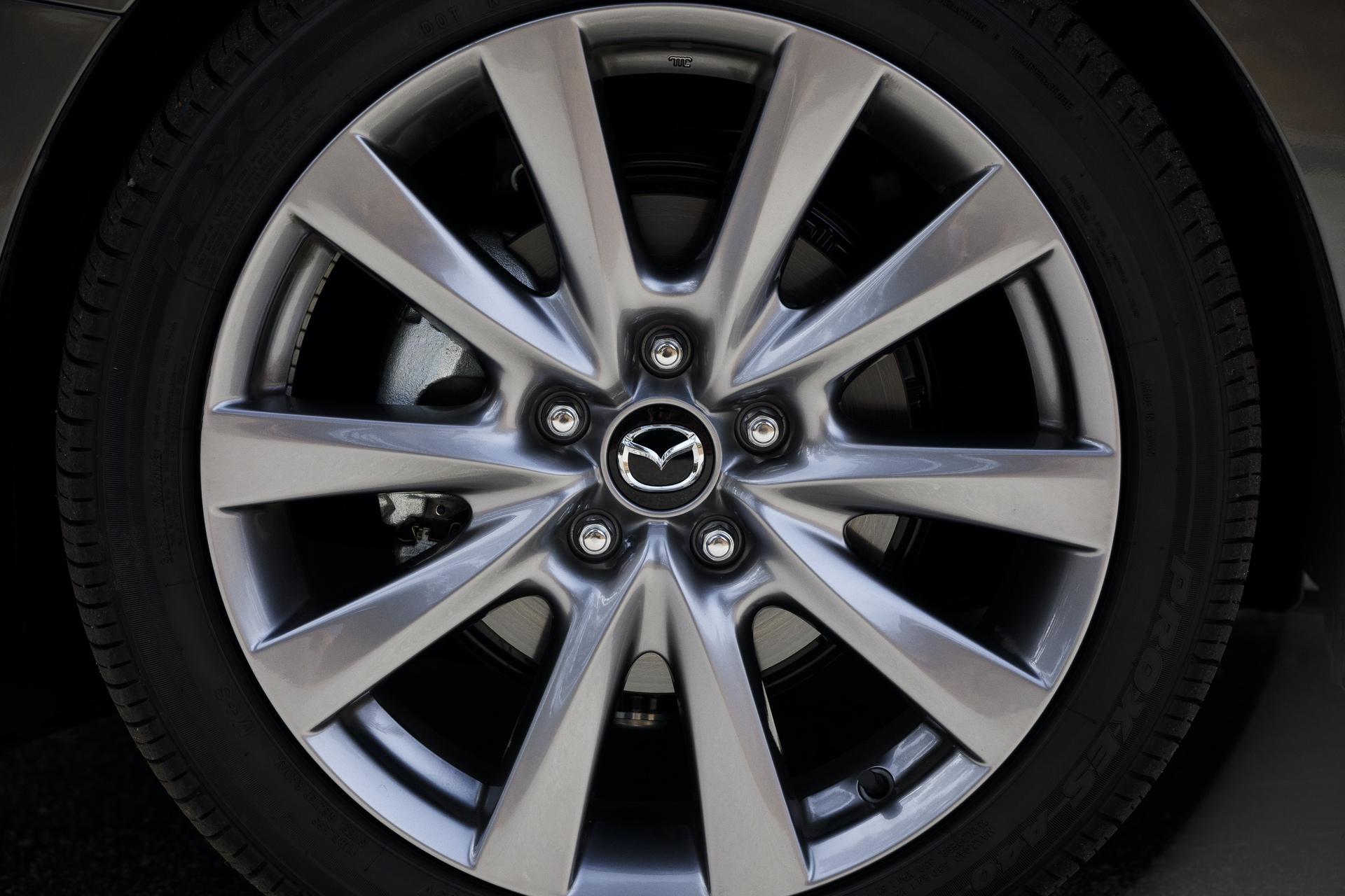 2019-Mazda3-Sedan_18