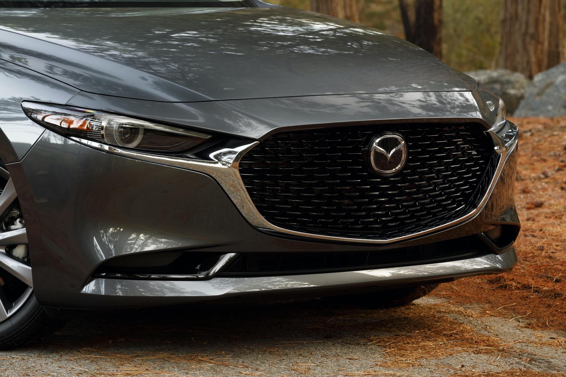 2019-Mazda3-Sedan_2
