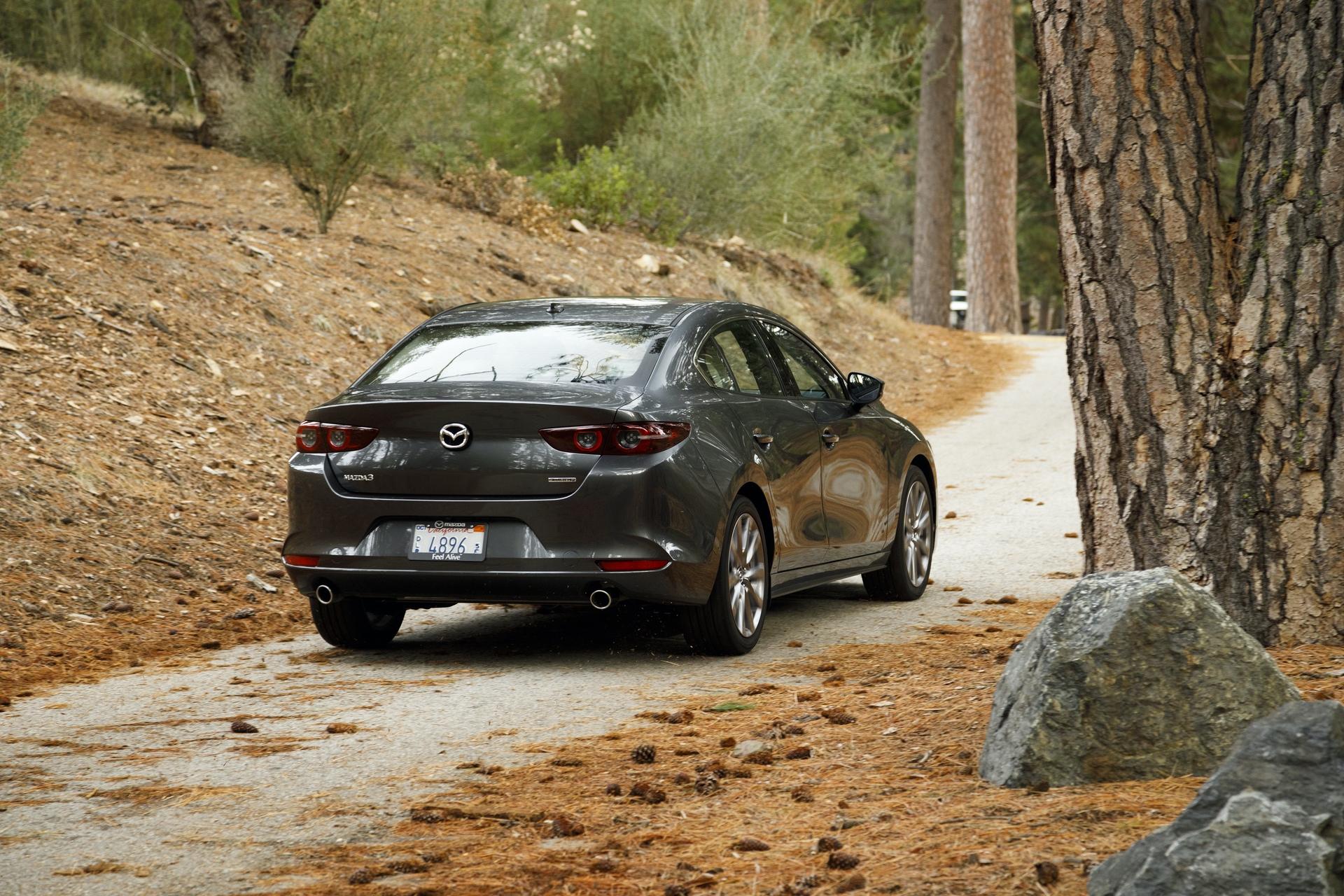 2019-Mazda3-Sedan_20