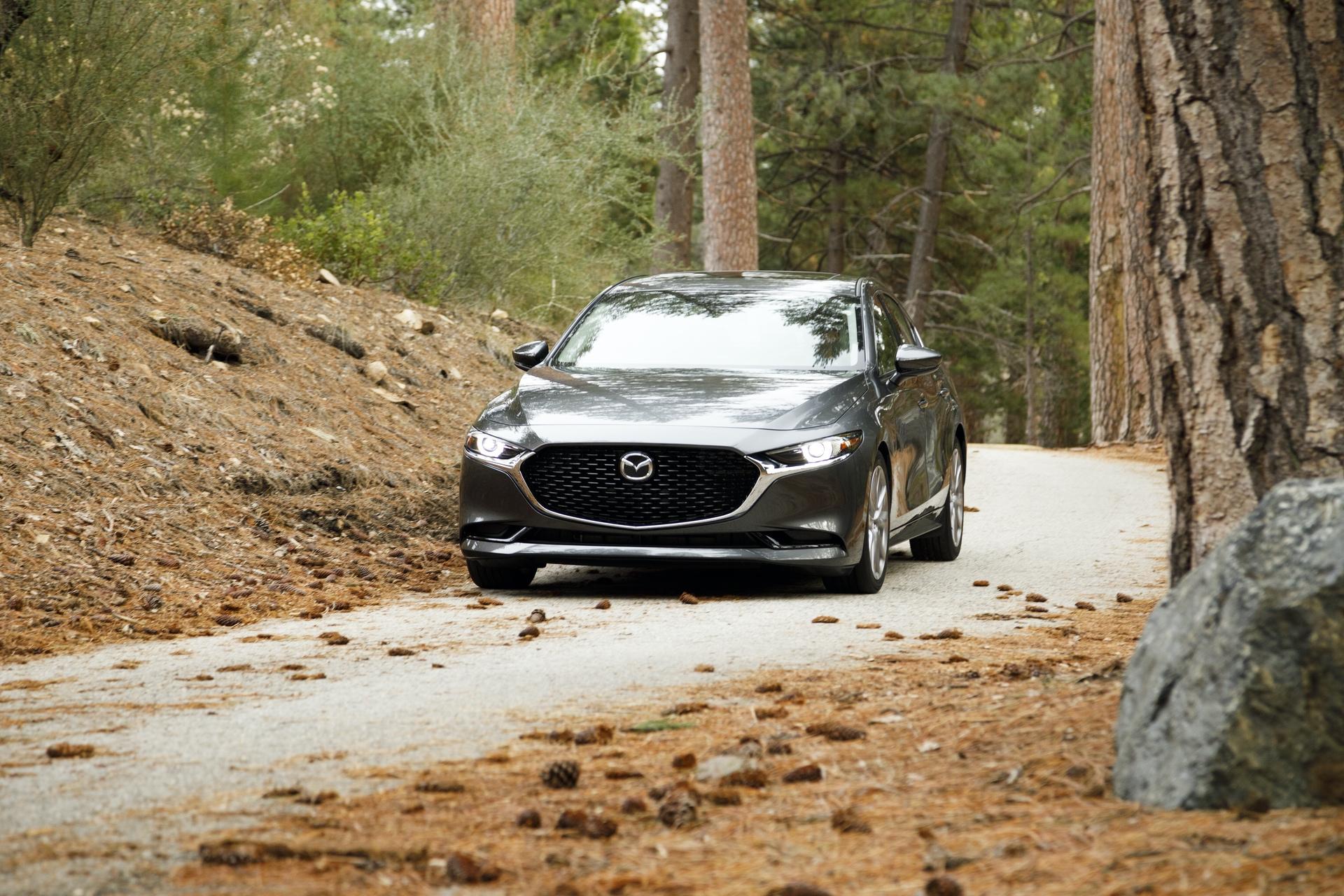 2019-Mazda3-Sedan_21