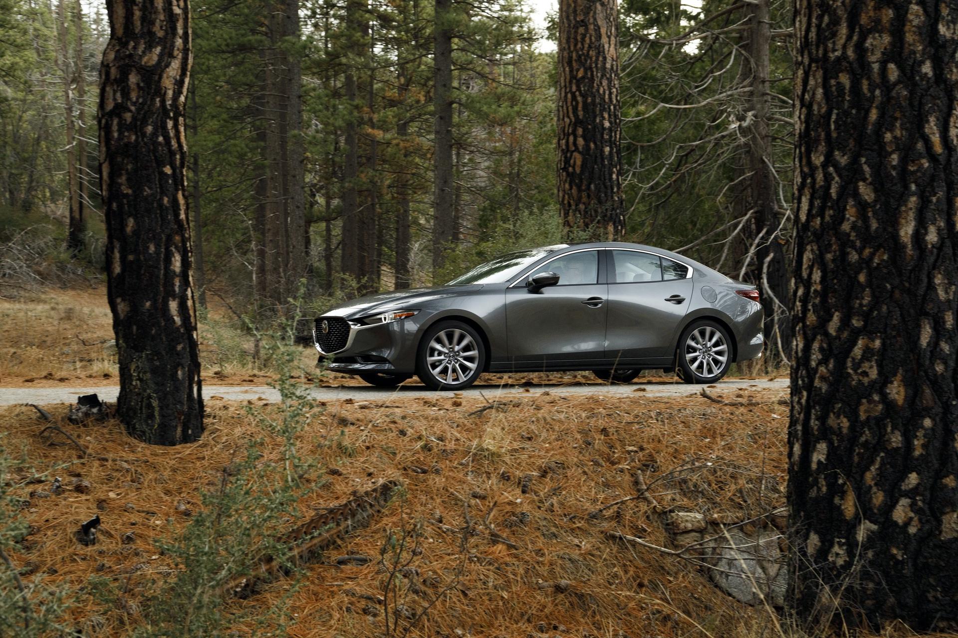 2019-Mazda3-Sedan_23