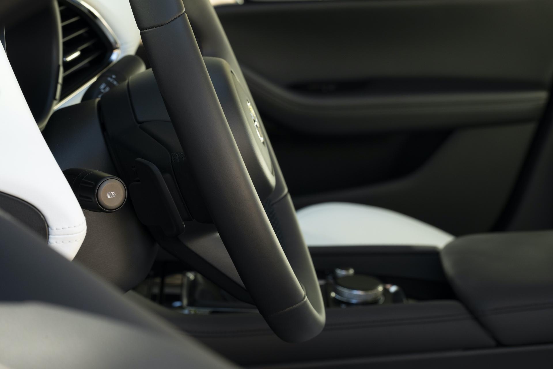 2019-Mazda3-Sedan_29