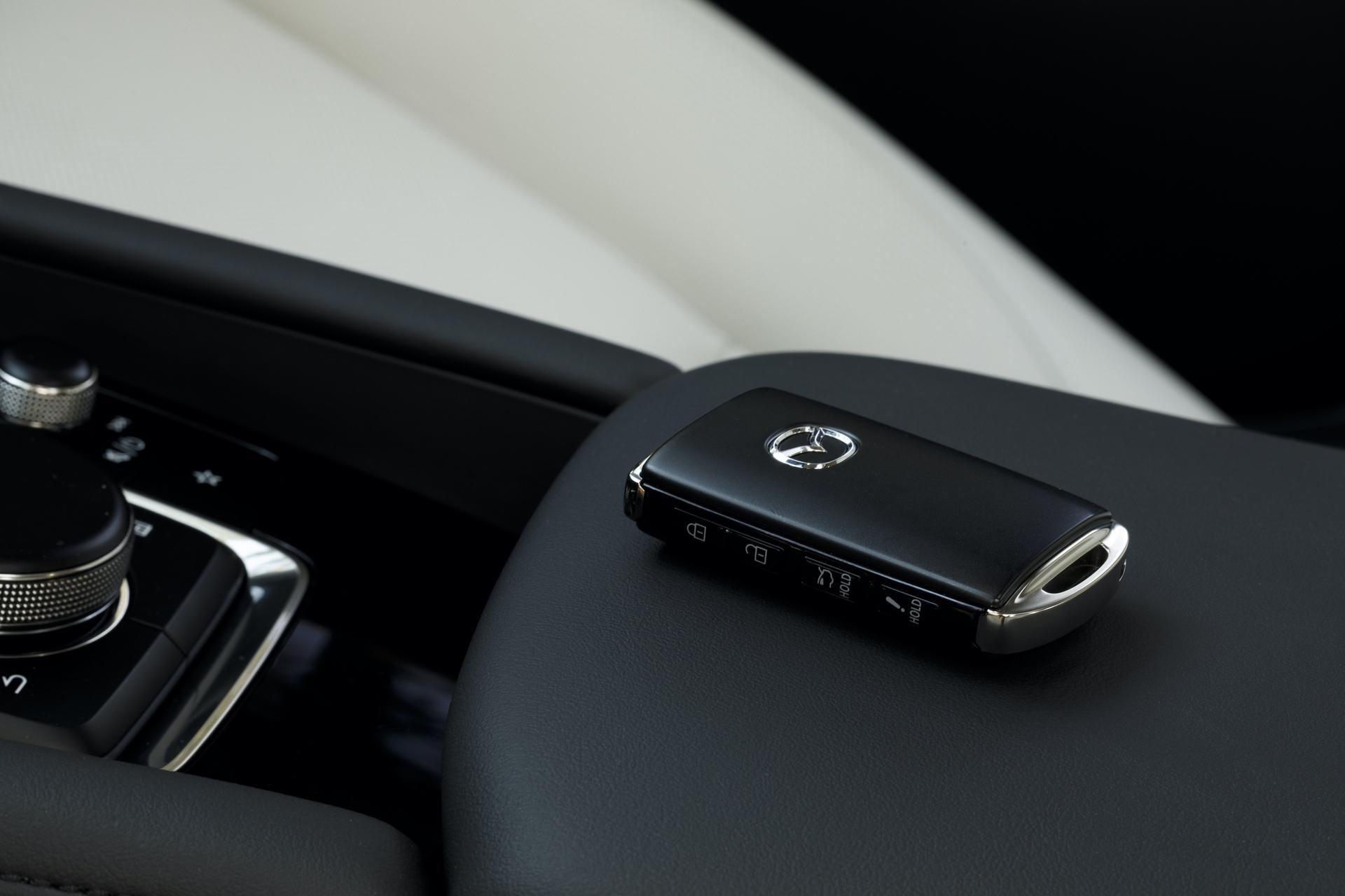 2019-Mazda3-Sedan_45