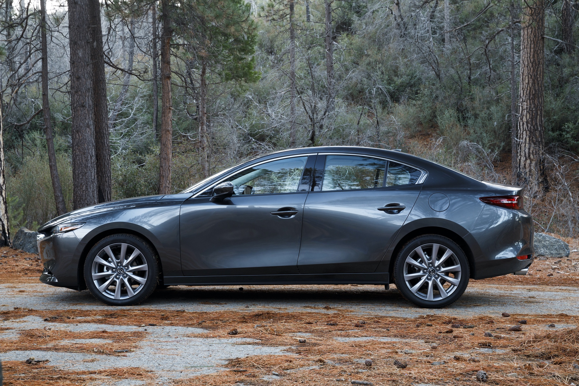 2019-Mazda3-Sedan_6