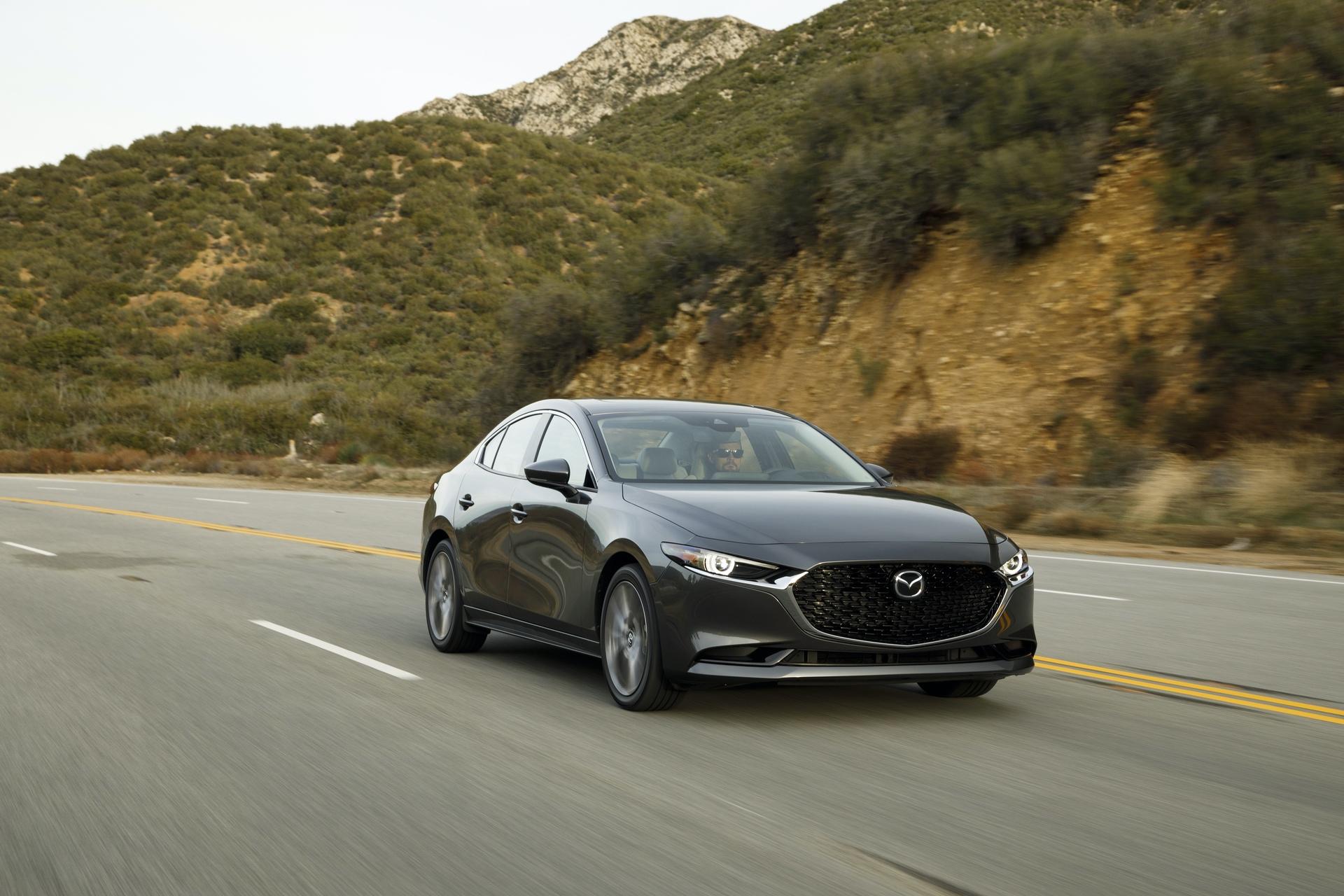 2019-Mazda3-Sedan_8