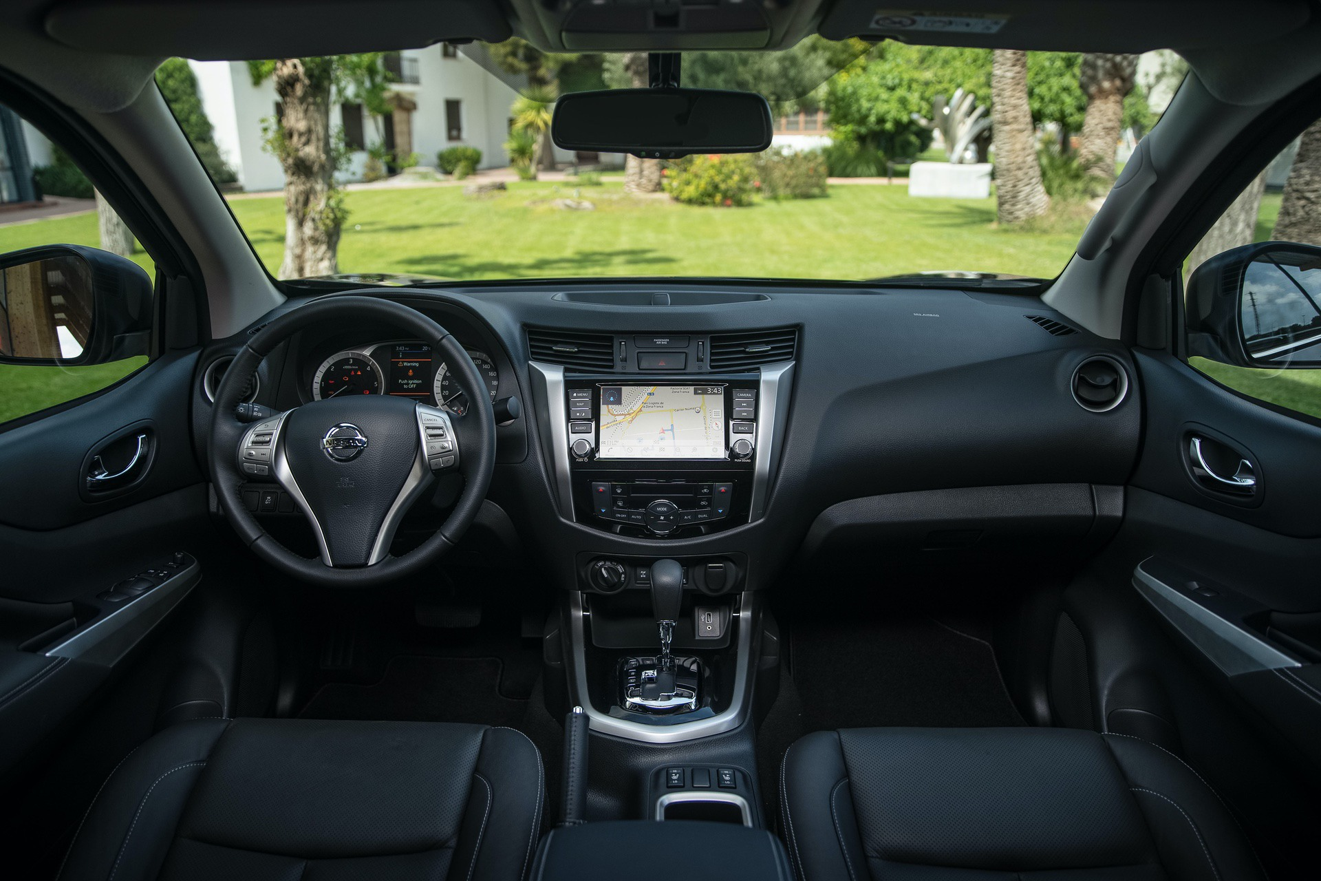 Nissan-Navara-Double-Cab-Blue-Interior-1